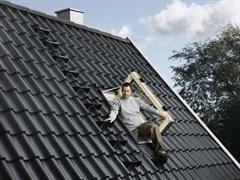 VELUX GXL 3070 Окно распашное для выхода на крышу для отапливаемых помещений
